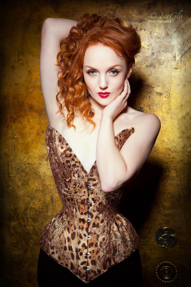 Sparklewren – fairy-like and animalistic corset couture from England